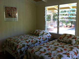Kailua house photo - Pool side second bedroom, 2 twin beds, wall mounted TV, in wall A/C
