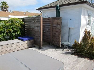 Santa Cruz cottage rental - Outdoor Shower and Hot Tub
