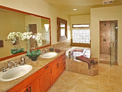 Luxurious bathroom suite
