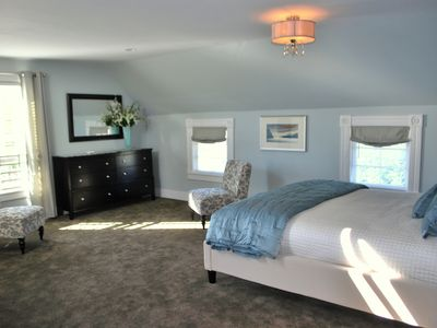 Beautifully Appointed Condo In The Heart Of Friday Harbor