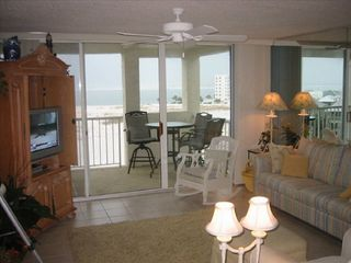 Destin Pointe condo photo - Living