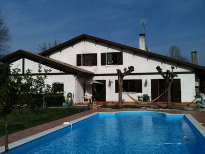 Spacious house with large pool Landes on 2000m2 of land