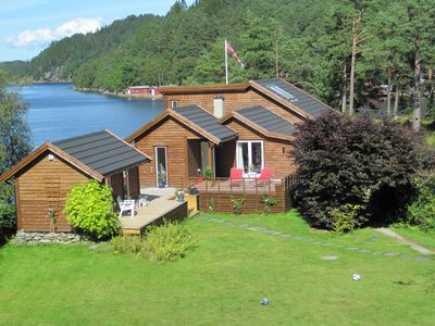 Fantastic summer house with 150 meters of beach, large lawn for ball games and boat