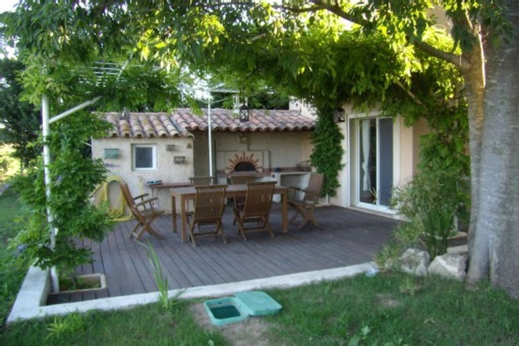 Provencal farmhouse in the countryside Arlesienne - Heated pool
