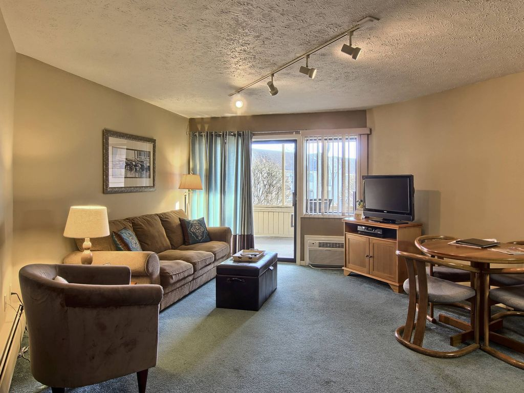 Beautiful Suite Perfect For Couples Getaway VRBO
