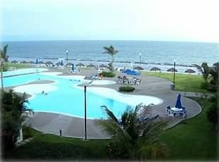 2nd Pool and the BEACH... picture was taken from balcony in condo