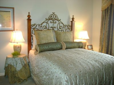 Guest Bedroom - Queen Bed