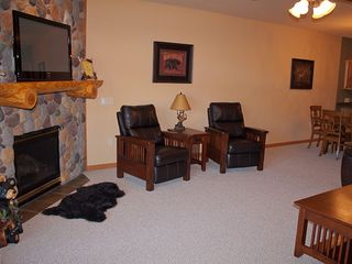 Castle Rock Lake condo photo - Living Room w/ Gas fireplace, cable, flat panel TV and recliners
