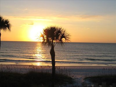 Bradenton Beach condo rental - Can't find a more beautiful sunset !
