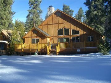 Big Bear's Best...Can You Say Snow Ball Fight?