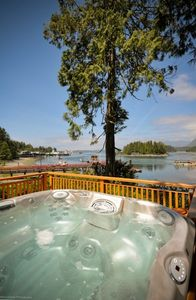 Tofino Inlet Cottage Waterfront, Spectacular Views