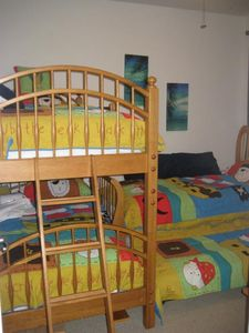 Kids Pirate theme bunk bed room with pull out trundle sleeps 4