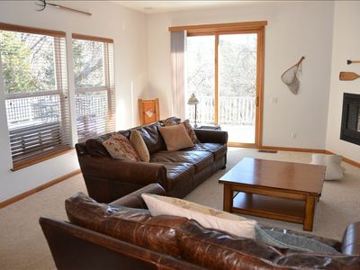 Bass Lake house rental - Great Room with Open Floor Plan