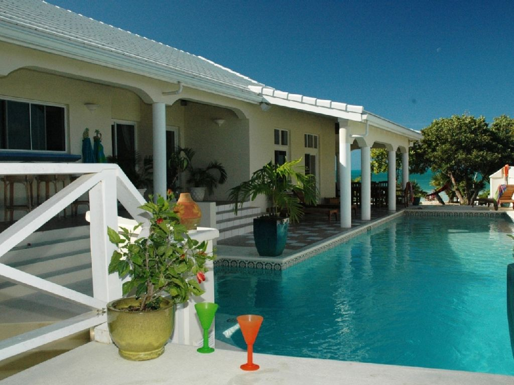 Popular beachfront home pool 2 stand up vrbo for Stand up pool