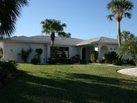 Canal Home, 3BR/2BA, Hot Tub, Heated Pool and Dock in Quiet Private Setting