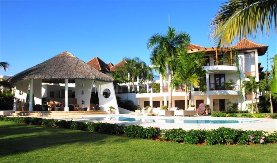 6 bedroom 10 000 sq ft tropical house at dye vrbo for 10000 sq ft house