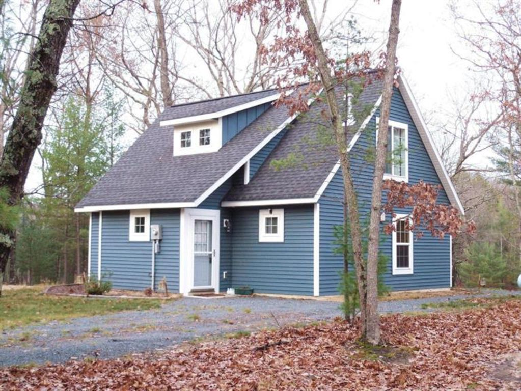 BEAUTIFUL NEW COTTAGE CLOSE TO BIG STAR, GOLF COURSE & HIKING TRAILS