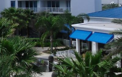 Sagos Bar and Grill at the Palms of Destin Resort. Private Destin Rentals