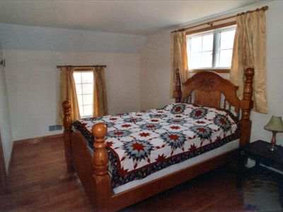 Seneca Cottage Queen Room