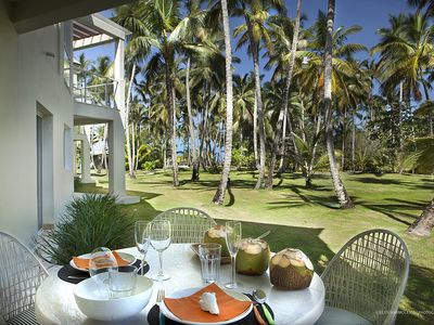 Beachfront Paradise. Perfect For Family Vacation / Romantic Retreat/ Relax