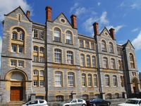 Plymouth city centre Luxury Apartments ,secure parking and free wifi