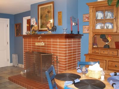 Pineville house rental - A fireplace in the kitchen!!