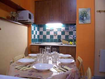 S-1, kitchen dinner area