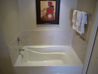 Lahaina condo photo - Master Bathroom Tub