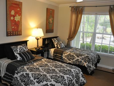 Guest Bedroom with Twin Beds and Private Bath