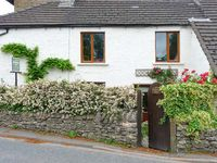 4 GREEN CROSS COTTAGE, pet friendly in Burton-In-Kendal, Ref 4530