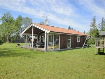Hojslev house rental
