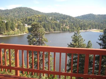 Crestline cabin rental - View from main balcony