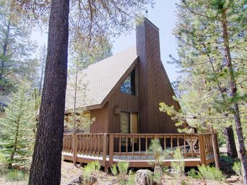 Sunriver house rental - Excellent location, large wraparound deck