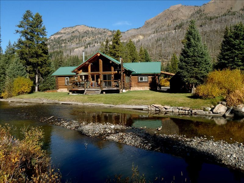 Spectacular Log Home On Creek 1 2 Mile From