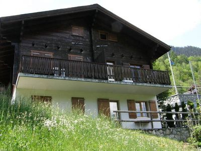 A chalet in a quiet location, above Fiesch village centre.