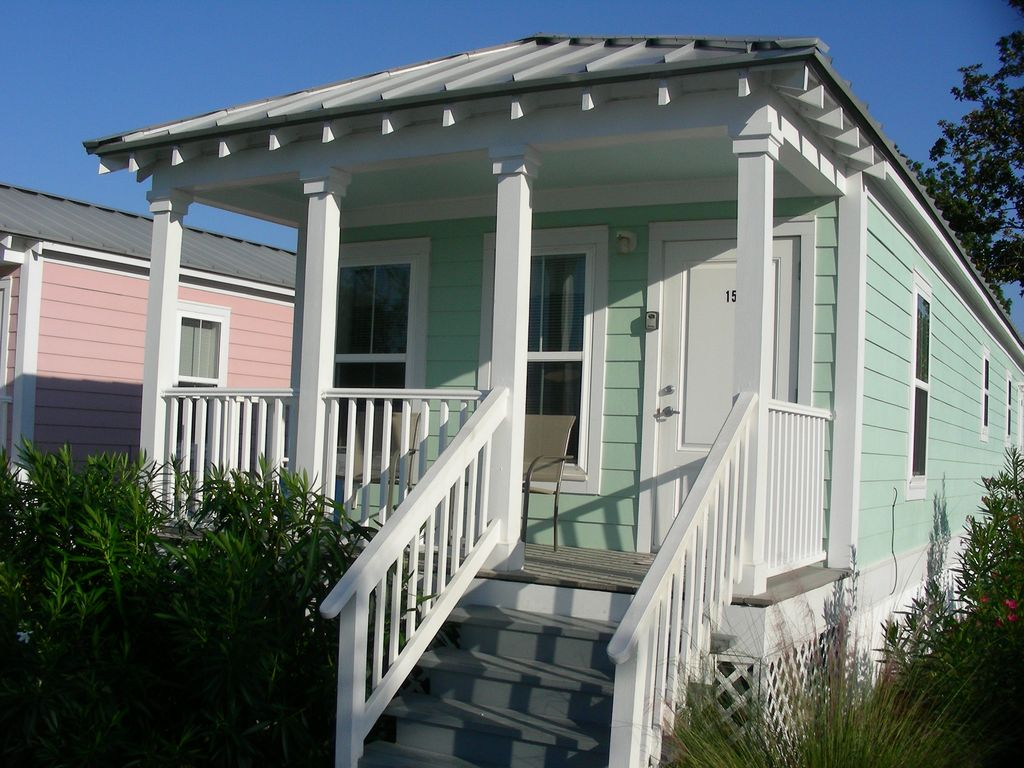 Gulfport Cottage Rental Quaint Amp Cozy Offseason Rates Now