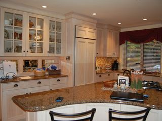 Lincoln townhome photo - Granite counters and custom cabintetry. Has microwave and Keurig coffee machine