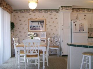 Myrtle Beach Resort condo photo - Dining area