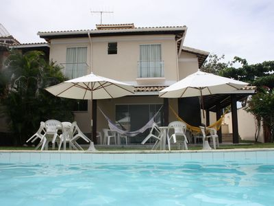 Great beach house with pool, large and pleasant garden, next to the beach.