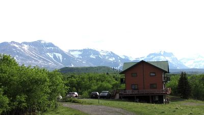 Holds Small Or Large Groups, Sleeps 40, 8 Bedrooms, Separate Basement Suite
