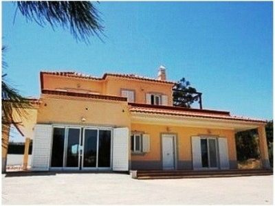 Family Villa with Pool & BBQ, Peaceful Location, Beach 7kms