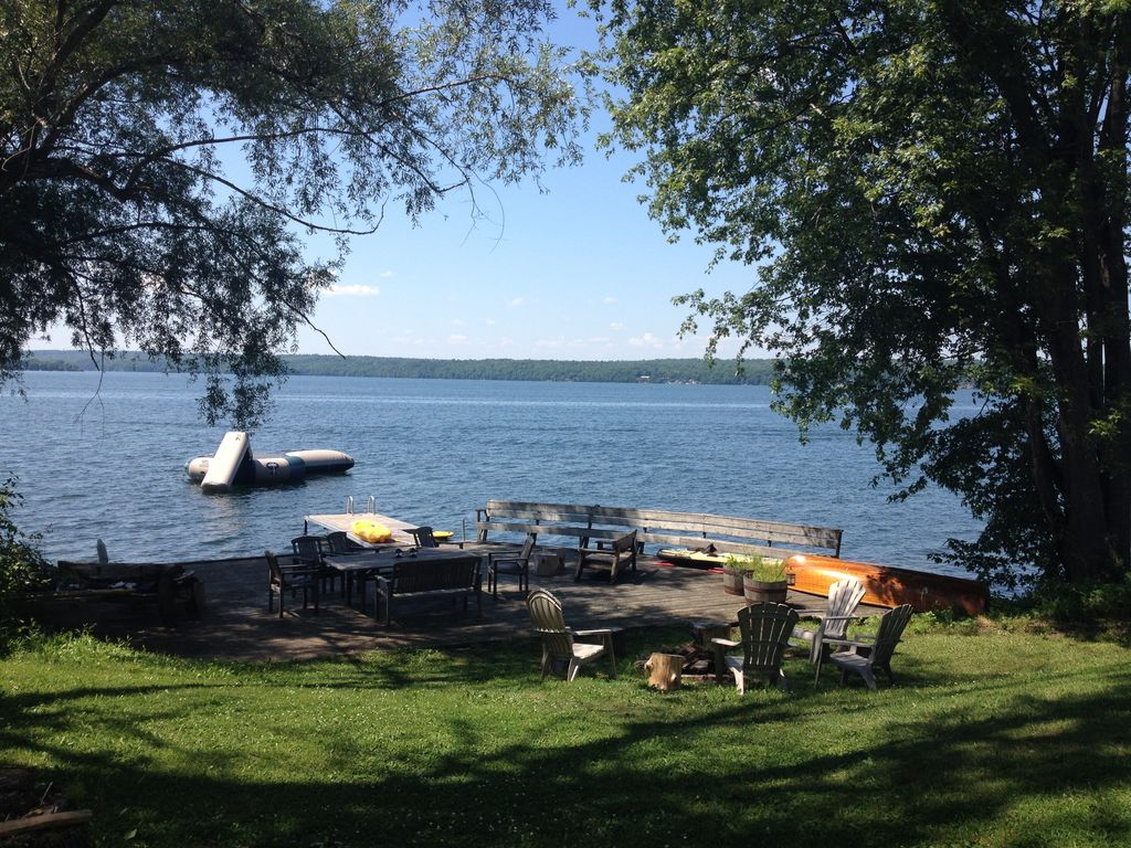 upper lake big and beautiful singles Little redstone lake 11 cottage  2 queen size beds, 2 singles and  situated on beautiful little redstone lake which is part of a 3 lake chain with big.