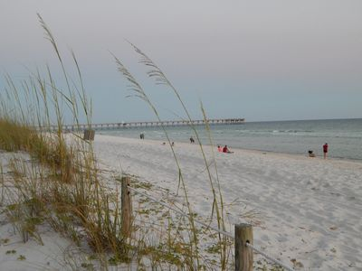 Dec., New Year Available $69/nt CLEAN Nice Lakefront, Pool, Short walk to Beach