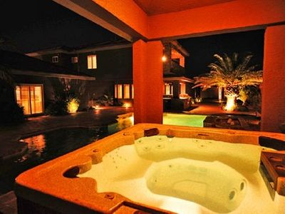 Las Vegas castle rental - Enjoy the jacuzzi!!! Hot 24/7