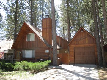 Woodlands cabin rental - Honey Bear cabin with detached game room with fooseball table. Upgraded 3br/2ba