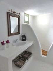 Mykonos villa photo - Large bathroom with shower