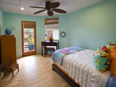 Guest Room with Twin Bed.