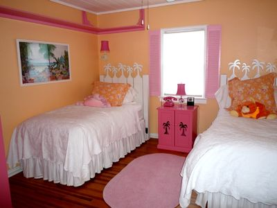 Good sized bedroom 2 with twin beds