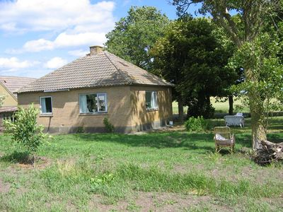 Pleasant year round house, just 300 m. from the beach & near mo-clay landscape.