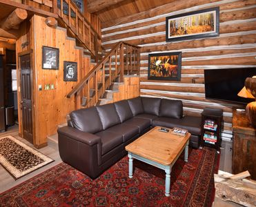 Log cabin on the river, free shuttle route, spa access book now for best prices